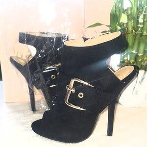 👠Wild Diva black suede zip up booties size 6 NIB